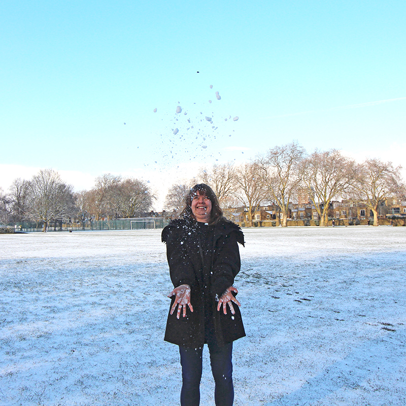 laura throwing snow